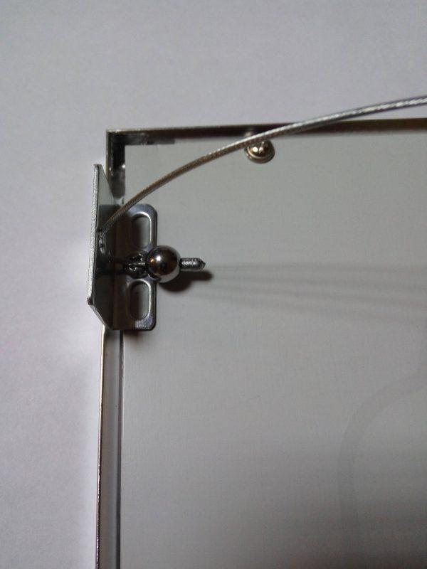 Крепление троссовых подвесов к панели