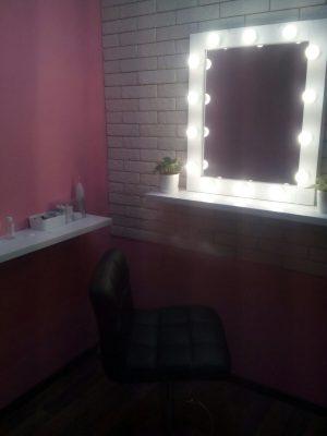 Диммируемая лампа на гримёрном зеркале. Спасибо клиенту, показывает, как светит