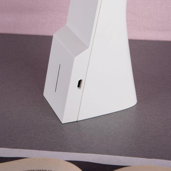 Настольный светодиодный светильник Desk белый/серебряный TL90450 7
