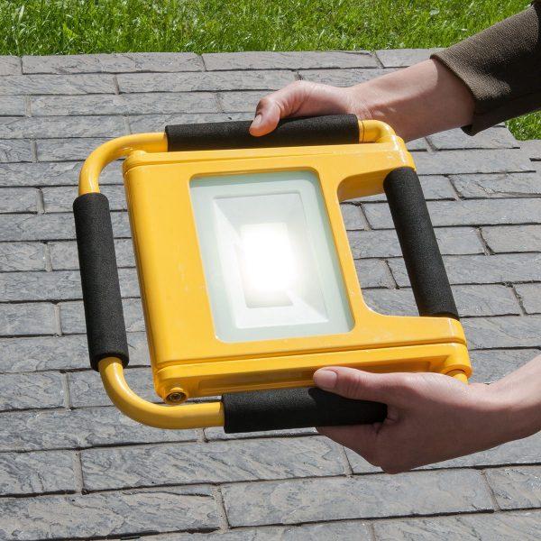 Аккумуляторный светодиодный прожектор 007 FL LED 10W 6500K IP54 Mobi 5
