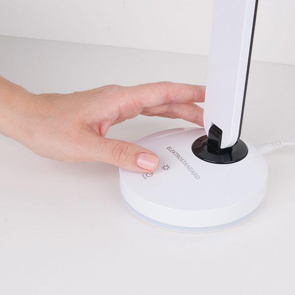 Настольный светодиодный светильник Flip белый/черный TL90480 5