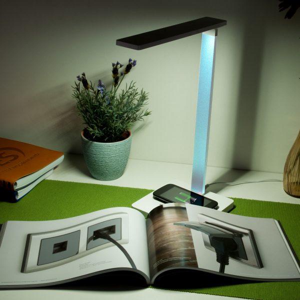 Настольный светодиодный светильник Lori белый/голубой TL90510 3