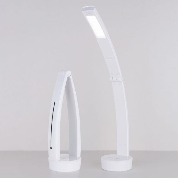 Настольный светодиодный светильник Rizar белый TL90500