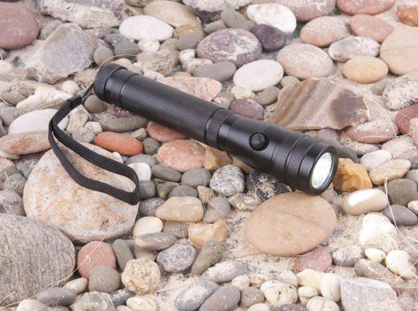 Ручной светодиодный фонарь Discoverer 3 2