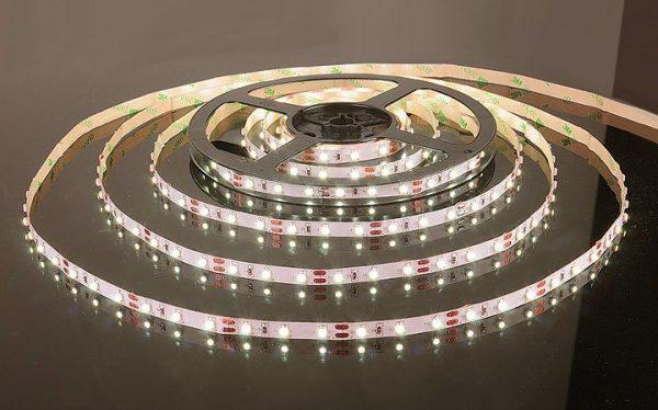 Светодиодная лента 3528/60 LED 4.8W IP20 теплый белый свет 3300К