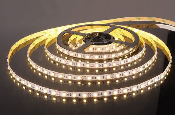 Светодиодная лента 5050/60 LED 14.4W IP20 теплый белый свет 3300К