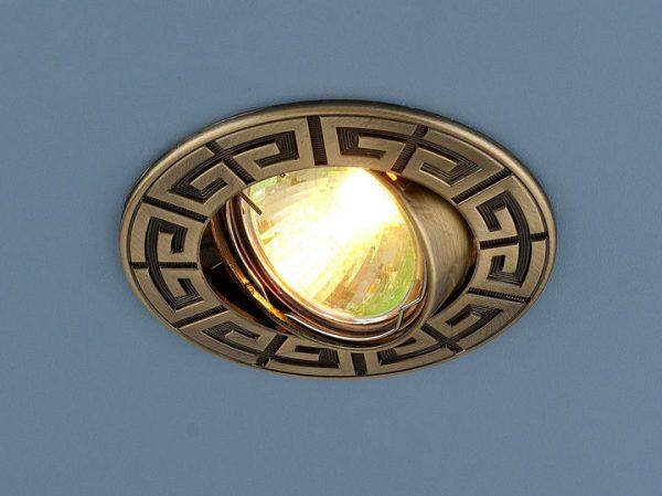 Точечный светильник для натяжных