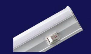 Линейный светодиодный светильник с выключателем и шнуром