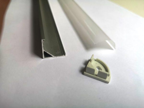 угловой профиль для светоиодной ленты с рассеивалелем и заглушкой