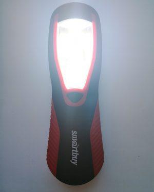 рабочий фонарь на магните и с крючком sbf 313 светит