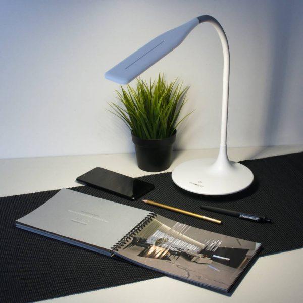 Настольный светодиодный светильник 80422/1 белый сесорное управление