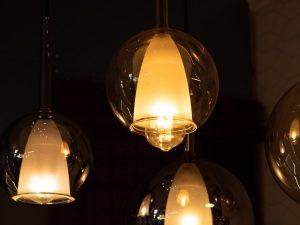 Светильники из янтарного двойного стекла. Светильники бутылка лофт купить